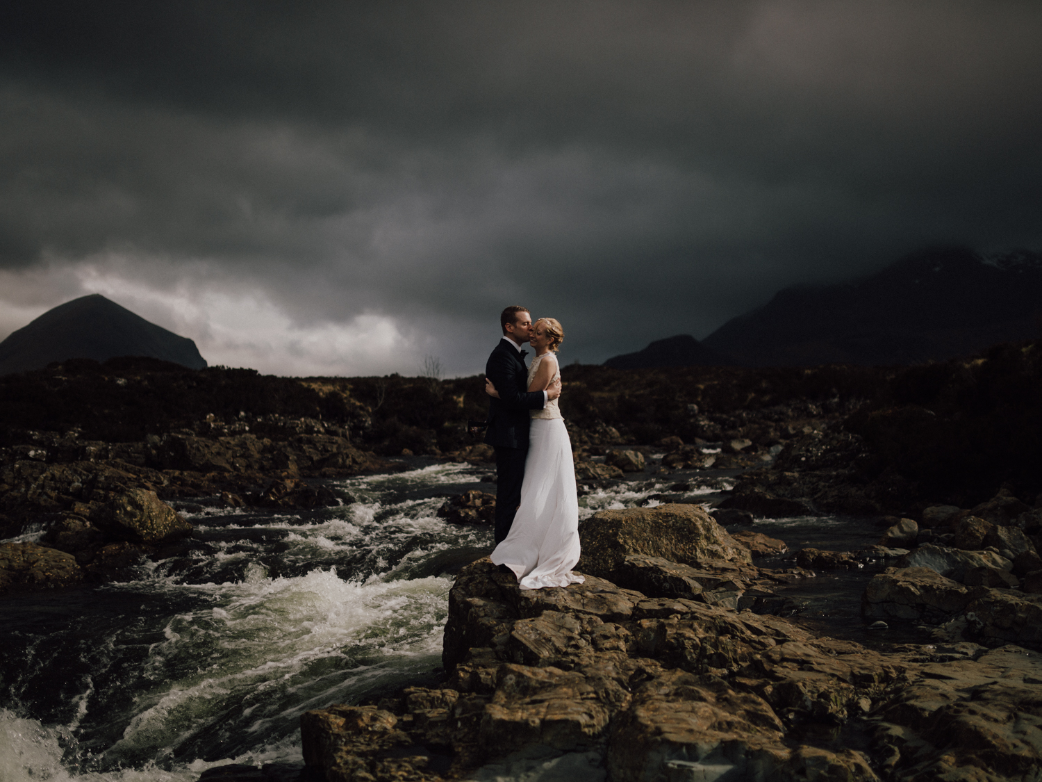 capyture-wedding-photographer-destination-elopement-isle-skye-scotland-379