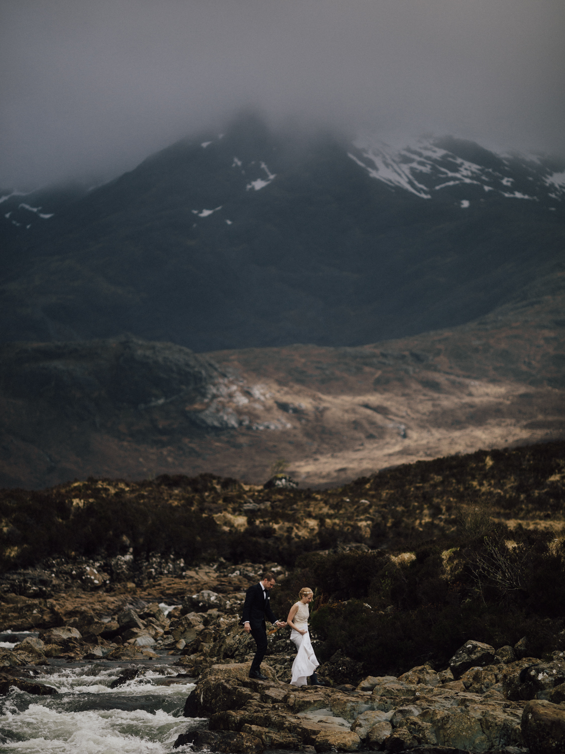 capyture-wedding-photographer-destination-elopement-isle-skye-scotland-389