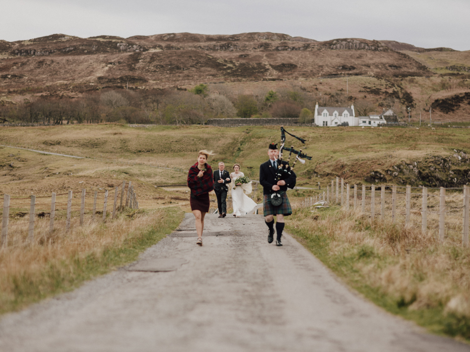 capyture-wedding-photographer-destination-nature-intimate-wedding-isle-of-skye-scotland-231