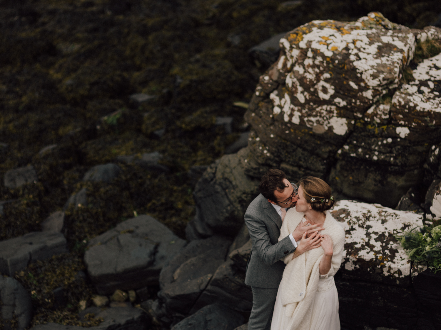 capyture-wedding-photographer-destination-nature-intimate-wedding-isle-of-skye-scotland-402