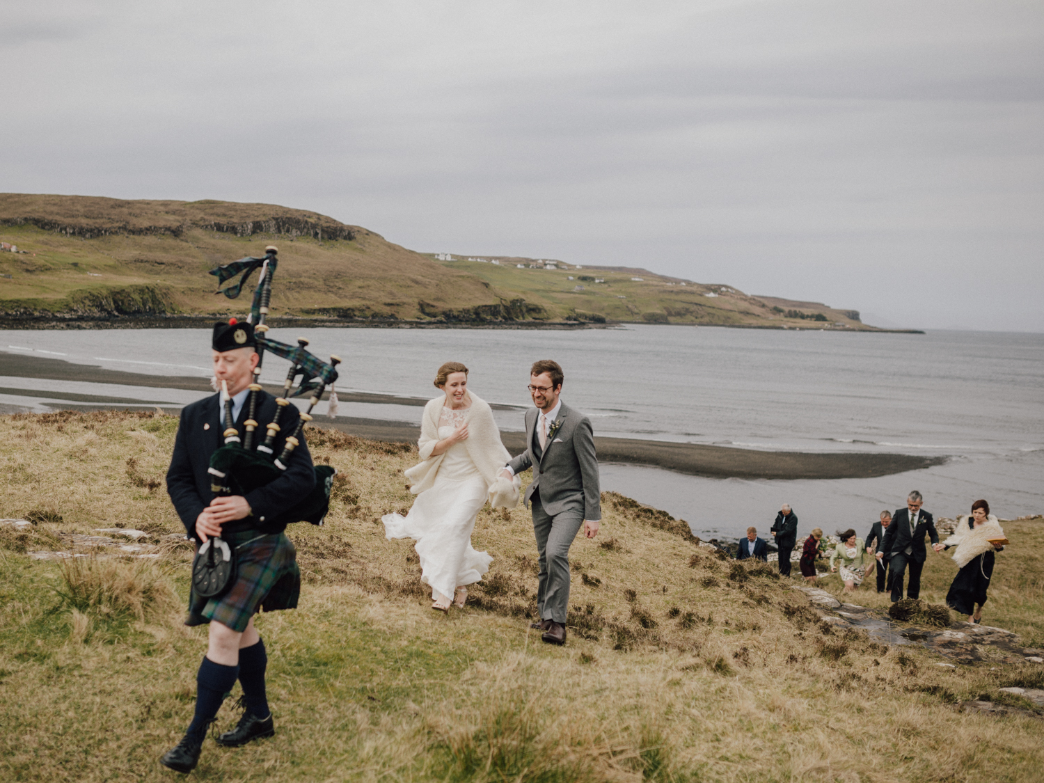 capyture-wedding-photographer-destination-nature-intimate-wedding-isle-of-skye-scotland-460