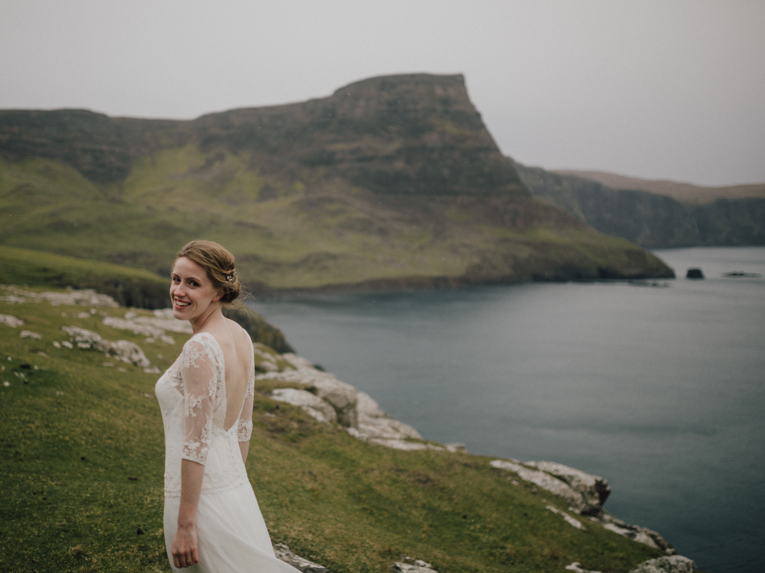 capyture-wedding-photographer-destination-nature-intimate-wedding-isle-of-skye-scotland-915