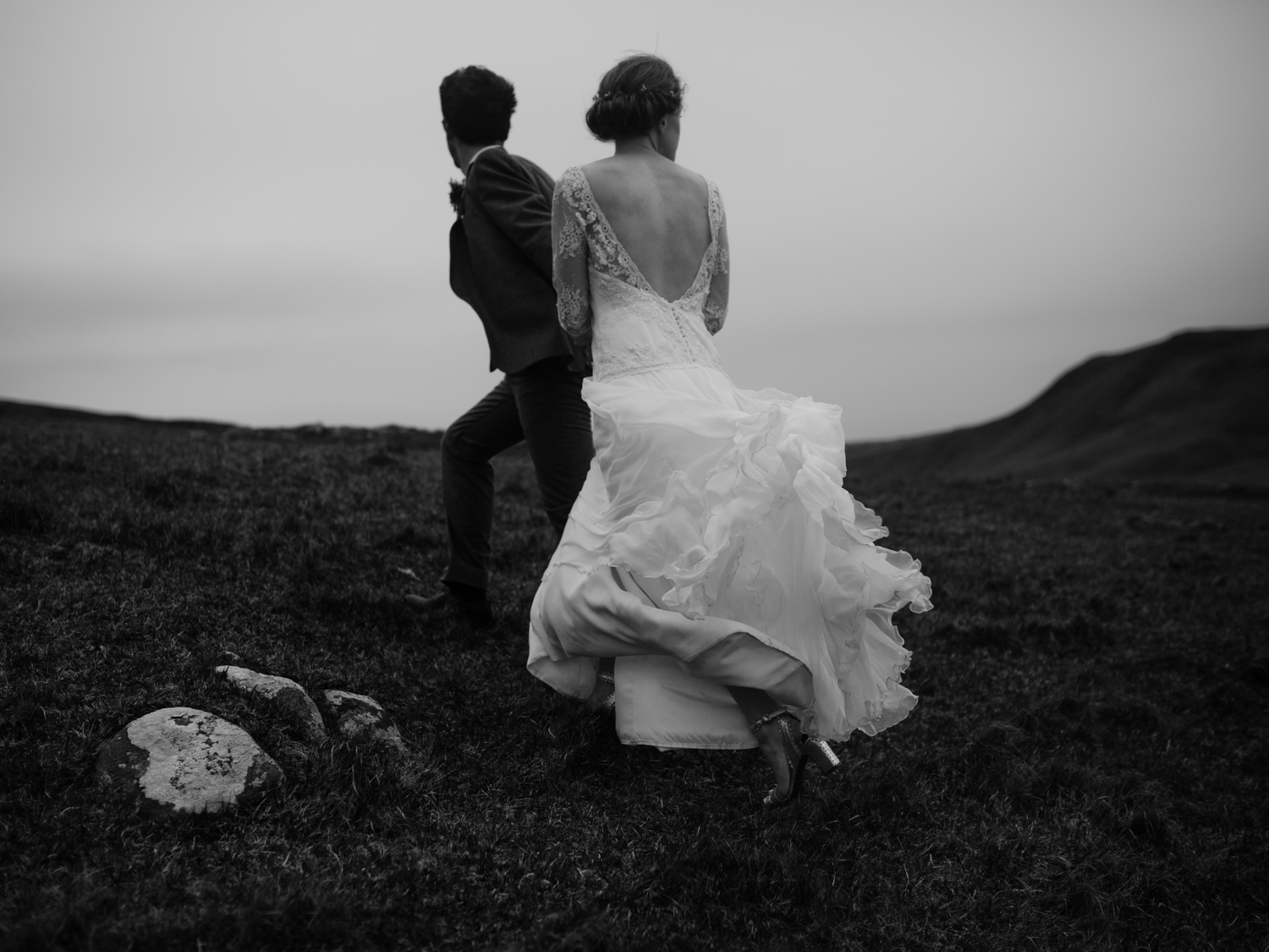 capyture-wedding-photographer-destination-nature-intimate-wedding-isle-of-skye-scotland-929